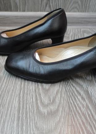 Туфли кожаные, на каблуке, 38р, классические