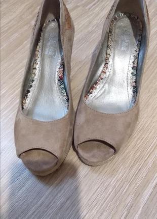 Босоножки туфли на танкетке под замшу