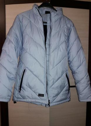 Легка стильна куртка