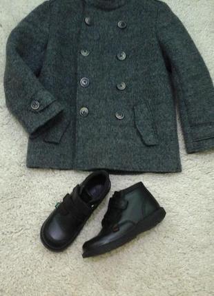 Круте пальто від зара на ріст 122 см.