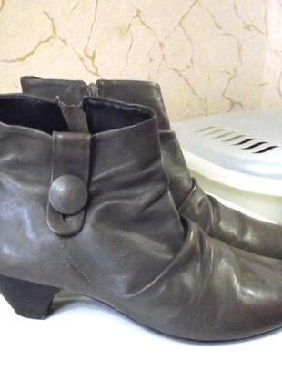 Кожаные фирм. ботинки ботильоны clarks, р.42  код b4210