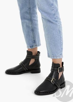 Кожаные ботинки с заклепками 24 см ,полу сапоги stradivarius 37 р.