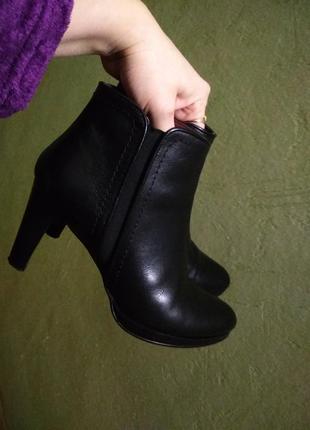 Кожаные ботинки в отличном состоянии