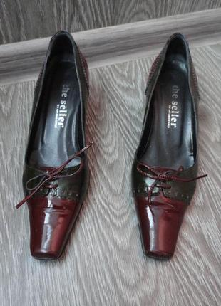 Туфли на каблуке италия, 37р лаковая кожа