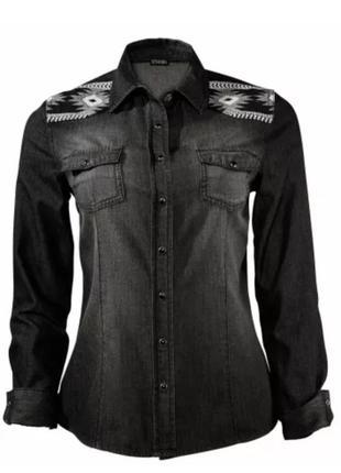 Черная джинсовая рубашка с вышивкой от esmara