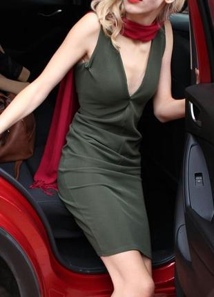 Темно-зеленое платье rare london s