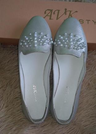 Балетки туфли  с жемчугом серебристого цвета натуральная кожа