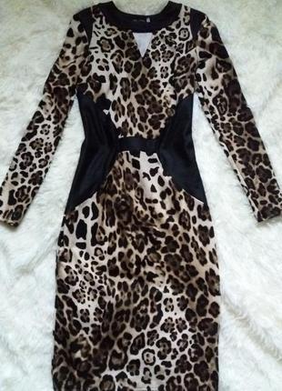 Супер ефектное платье в актуальный леопардовый принт