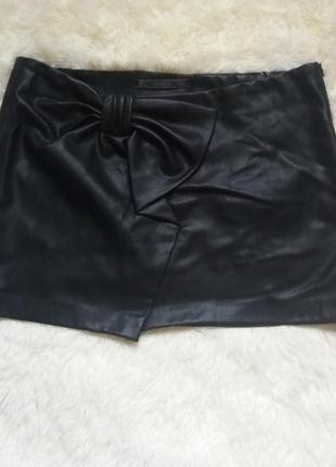 Очень стильная кожаная юбка от zara