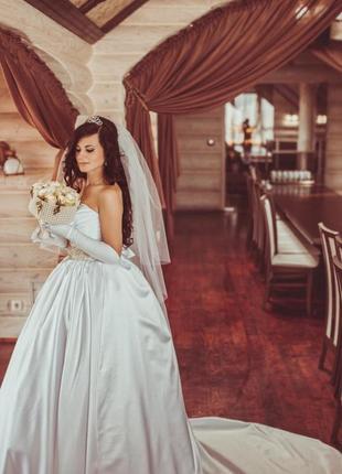 Модне, неперевершене і елегантне весільне плаття