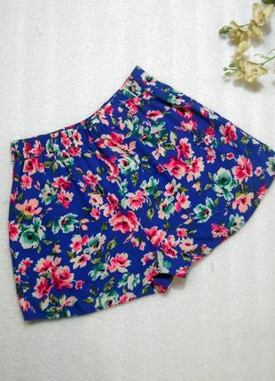 Стильные синие розовые летние легкие шорты в цветочный принт от new look xs-s