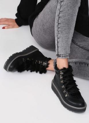 Крутые ботинки на платформе