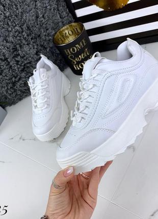 Стильные белоснежные кроссовки. размеры с 36 по 41