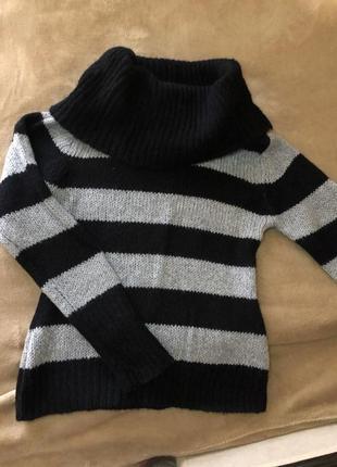 Теплый свитерок в полоску
