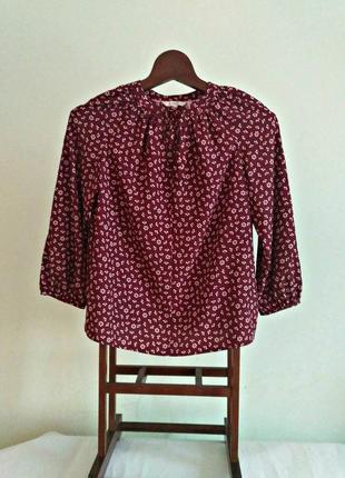 Блуза с завязками у горловины