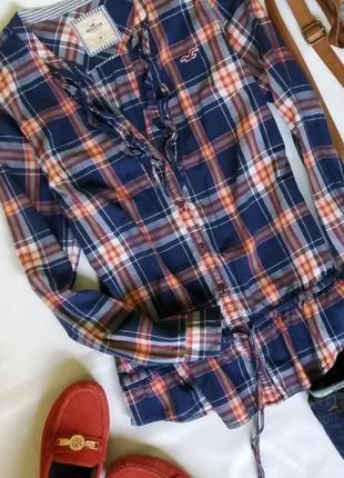 Рубашка в клетку с v-образным вырезом от hollister