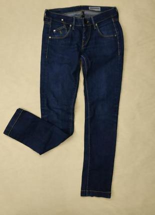Синие джинсы средняя посадка