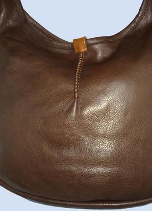 Шикарная  вместительная сумка в стиле хобо натуральная кожа  ugg
