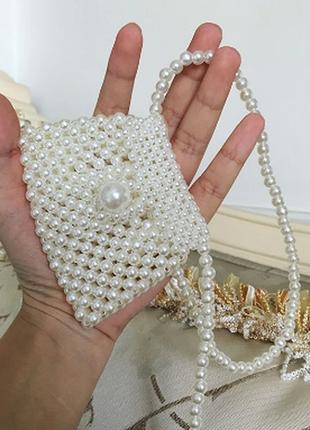 Модная плетенная сумка из жемчужин есть варианты