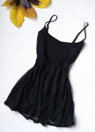 Очень красивое гипюровое платье базовое чёрное на бретелях от divided by h&m