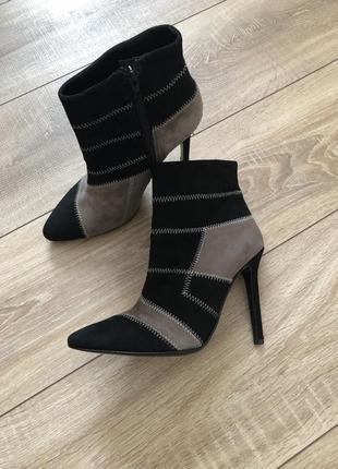 L'estrosa ботинки ботильоны