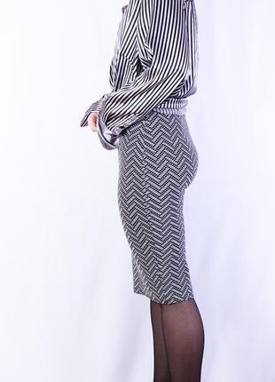 Облегающая юбка карандаш миди длины, юбка с мелким принтом зигзаг new look
