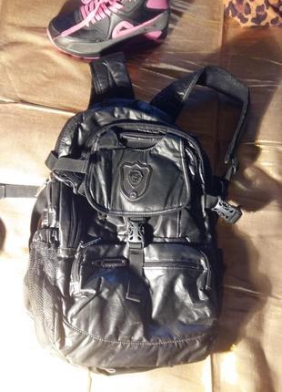 Крутой рюкзак черный с блеском средний