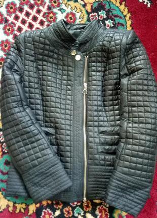 Весенняя стеганая курточка