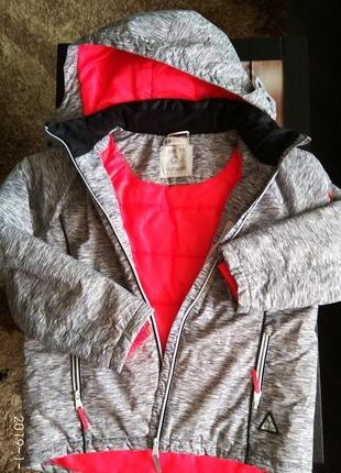 Водо-ветронепроницаемая куртка h&m, флиска в подарок. бесп. нп отправка