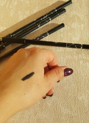 Черный карандаш для глаз с точилкой ruby rose sweet eyes4