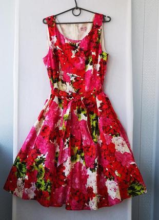 Яркое хлопковое платье