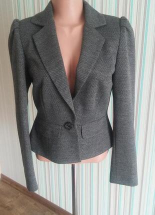 Пиджак серого цвета