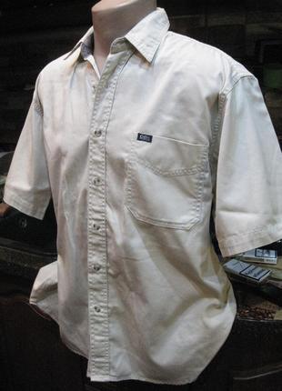 Плотная хлопковая рубашка от британской компании  молочного цвета