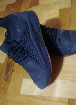 Оригінальні кросівки від puma