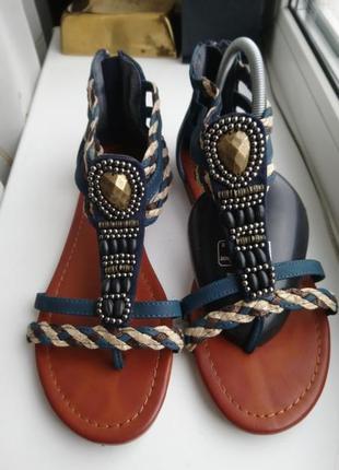 Босоножки ,сандали