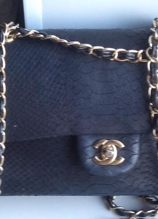 Классическая сумочка-клатч от chanel