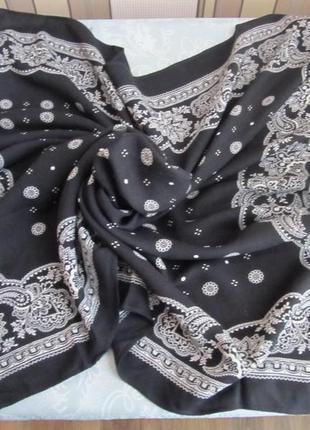Бандана-платок большого размера