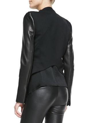 Укороченный пиджак с кожаными рукавами 48-50 см.