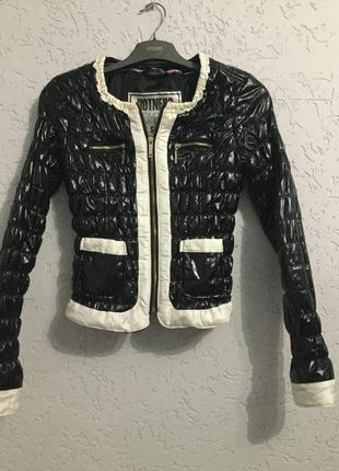 Крутая стёганная куртка дэми