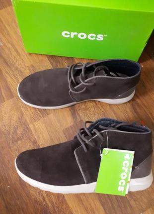 Замшевые ботинки crocs m9