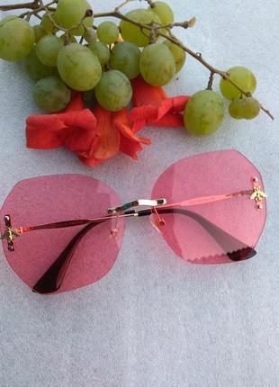 Новые красивые очки, розовые