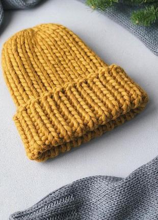 Объёмная тёплая шапка из толстой пряжи♥
