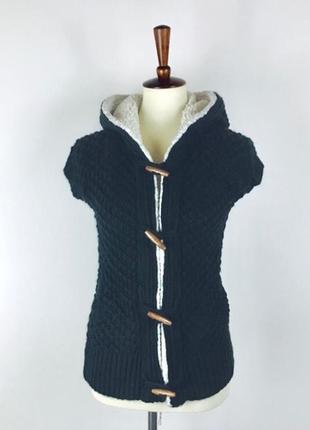 Zara вязаный худи c короткими регланами темно-зеленый с белой опушкой , размер l