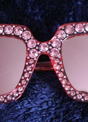 Новые красивые солнцезащитные очки зеркальные с камушками, розовые