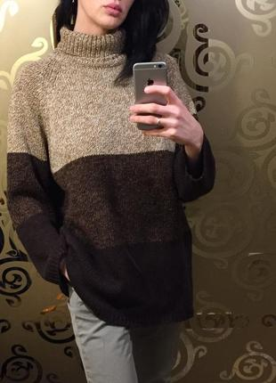 Стильный свитер обьемный оверсайз с горлом брендовый