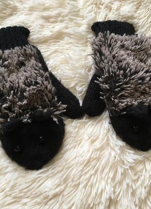 Милі рукавички-їжаки