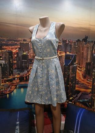 Милое платье на пуговичках из натуральной ткани