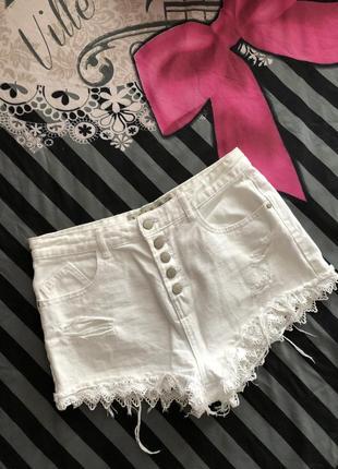 Белые джинсовые шорты 10- размер
