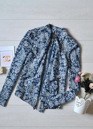 Красивий піджак laura ashley.
