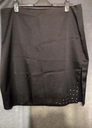 Очень красивая юбка с боковым  разрезом р.20